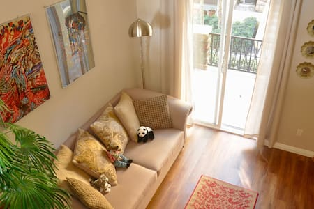 新装修奢华配置,两房+Loft高级度假联排别墅 - Irvine