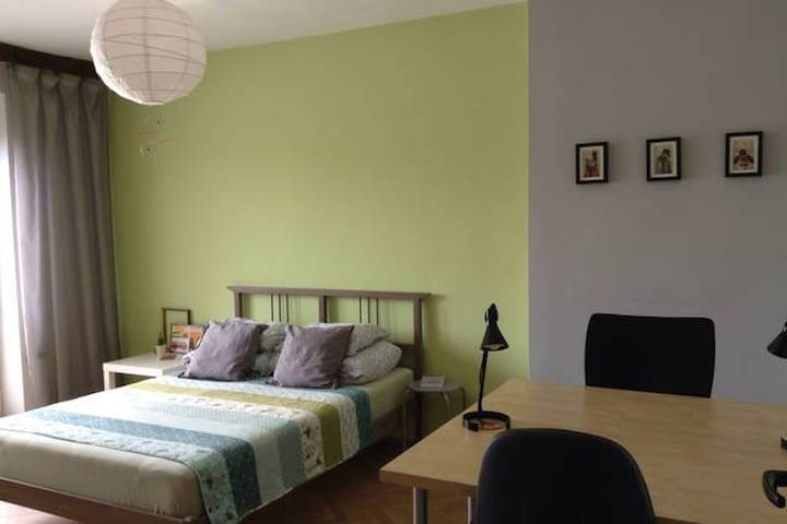 Cozy room - 9 minutes from centre - Brno - Leilighet