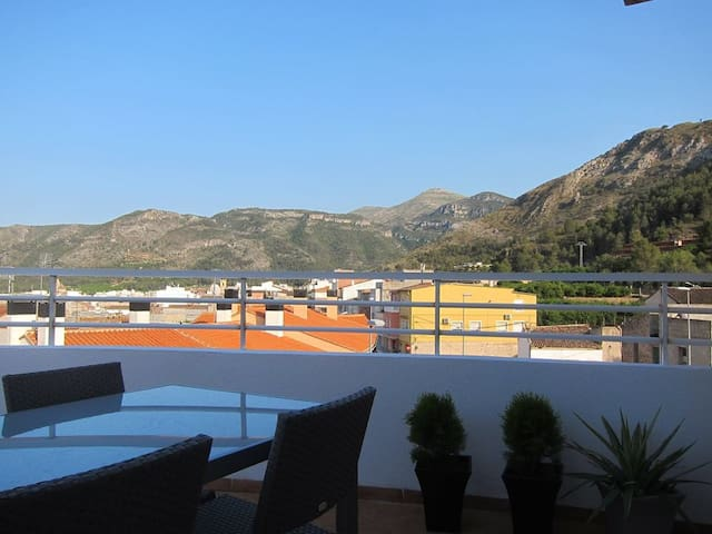 Exceptionally kept, scenic & modern apartment. - Simat de la Valldigna - Apartment