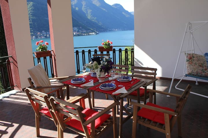 Villa Pinola, 5pax, great view,parking and garden! - Pognana Lario - Villa