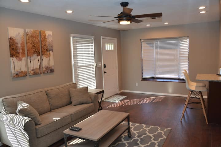 Nicely remodeled getaway near downtown Roswell