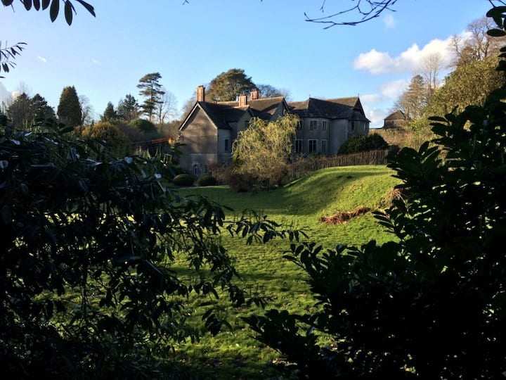 The West Wing @ Derwydd Mansion