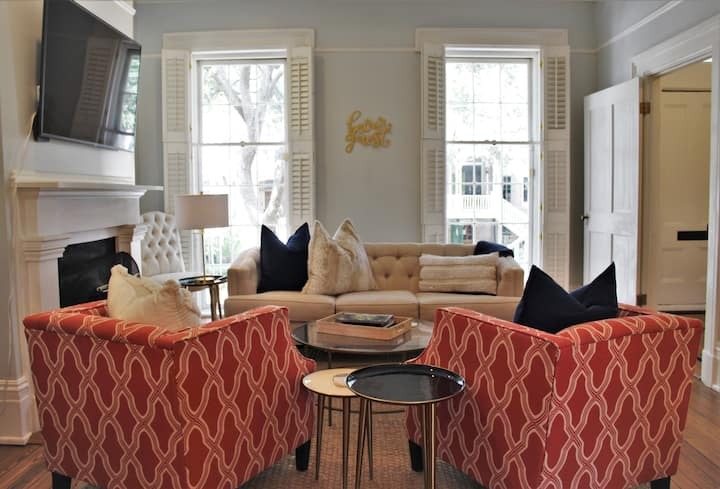 Historic Luxury Townhome Steps from Forsyth Park
