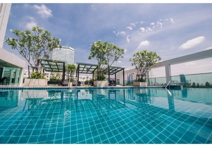 COOL STUDIO / 17th FLOOR / WIFI / POOL & GYM / MRT - Bangkok - Apartmen