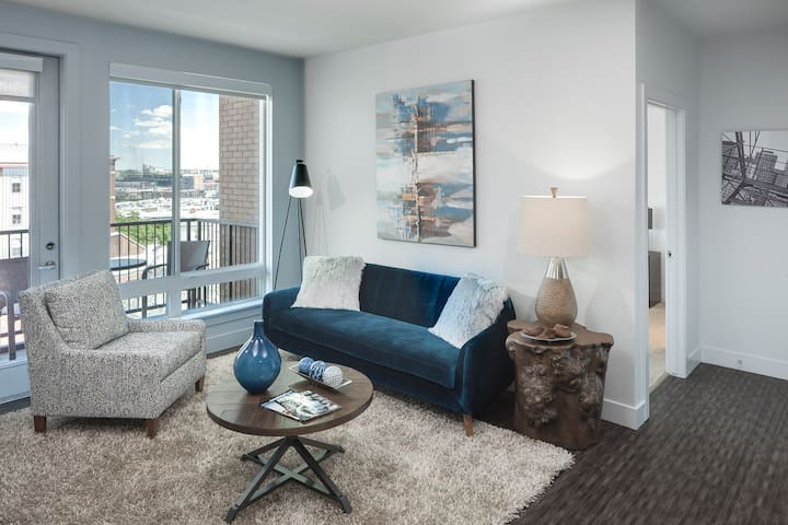 Flexible living at its finest | 1BR in Denver