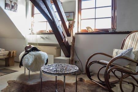 Traumzimmer-Balkenbett- Wellnessbad - Tettnang