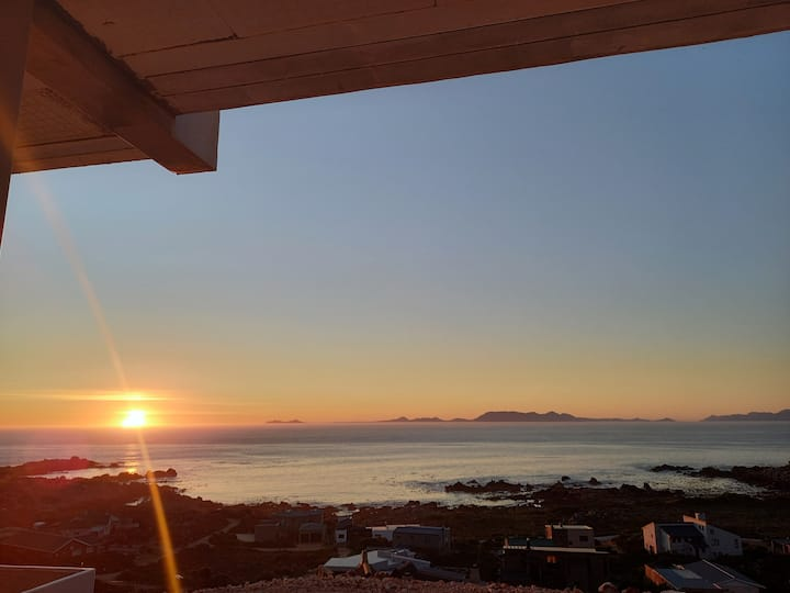 Enjoy one of the most iconic views  in the Cape