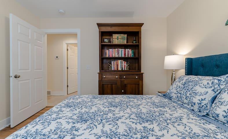 Queen bedroom 5, with bookcase/hutch (Bedroom 5 of 7)