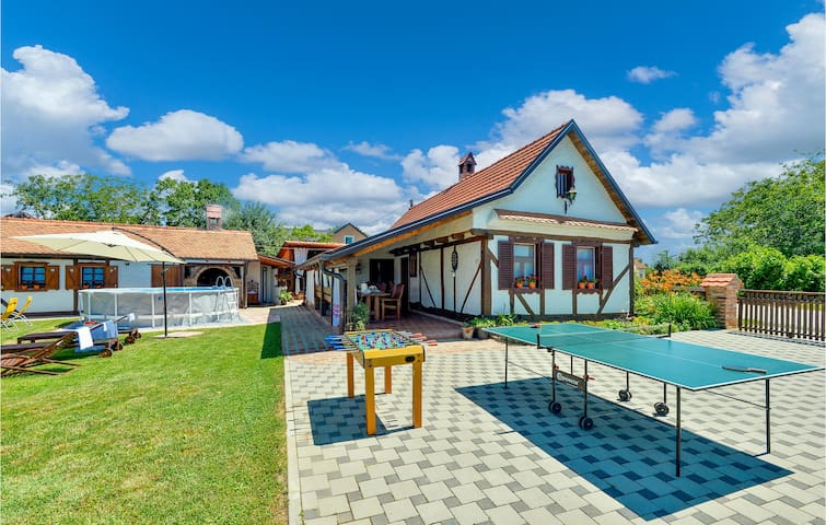 Holiday cottage with 3 bedrooms on 87m² in Sveti Ivan Zabno