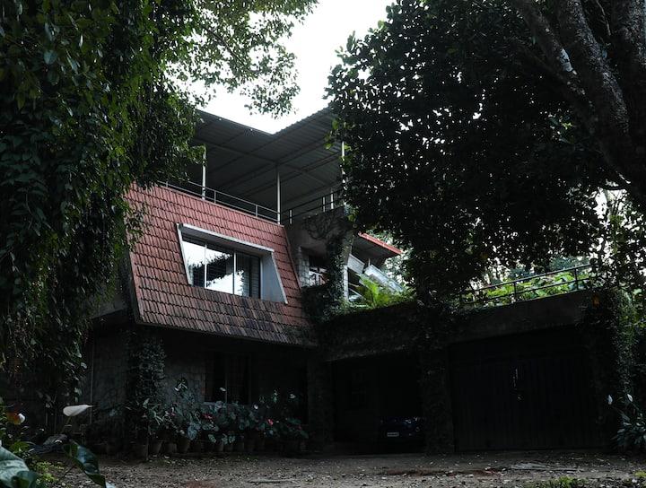 Chikmagaluru Homestay: Serene Mansion 2