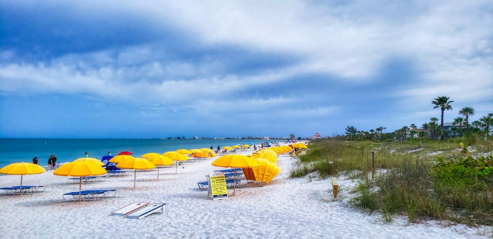 Next to Paradise Grille on the Beach at 9th avenue & Gulf Way you'll find Cabanas and Loungers for Rent