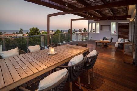 Sea  views  Luxury villa 5-bedrooms - Limassol