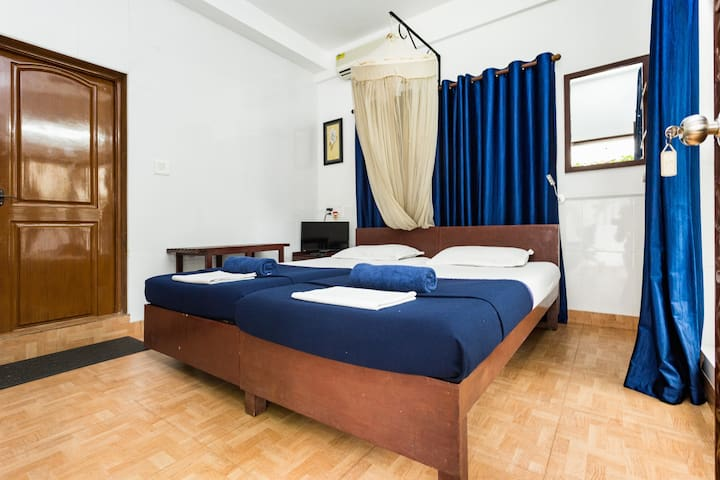Reds Homestay - Deluxe double - Ground level