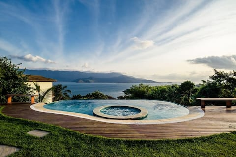 Heated POOL, infinity edge, sea-cURRAL view