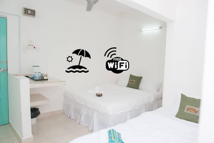 Ibai Beach Guesthouse-STANDARD TRIPLE B2