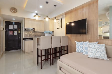 Accessible Condo in Cebu City near malls FAST WIFI