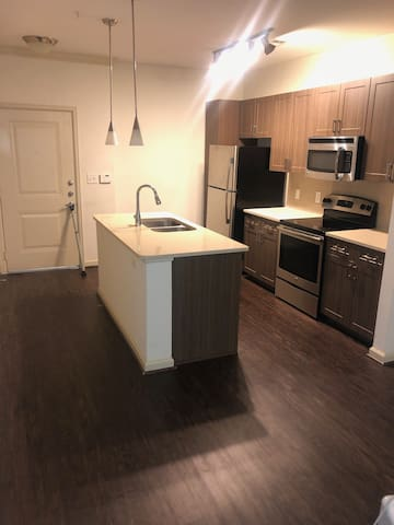 NICE, COMFY 1BR/1BED/1BTH IN BROOKHAVEN!!!
