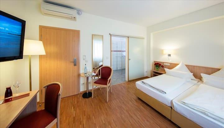 komfortables Doppelzimmer mit Klimaanlage