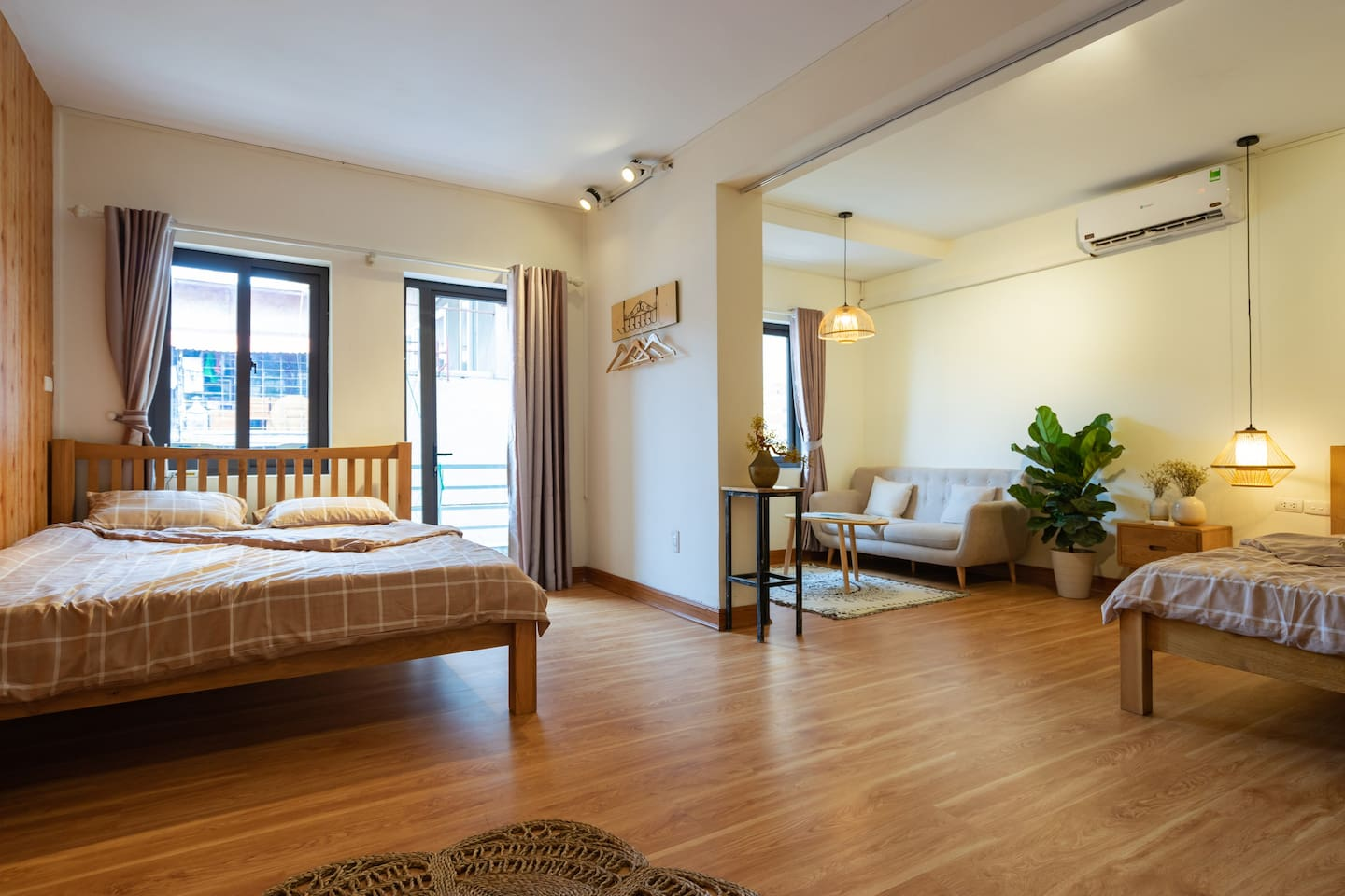 Full-of-light apartment with Cozy and Stylist Design for your relaxing stay.