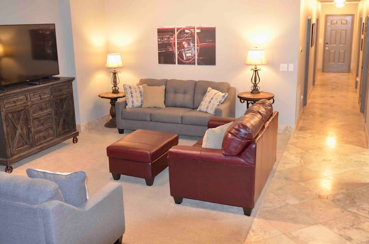 You will ❤️ this place! The TX Motorspeedway condo!