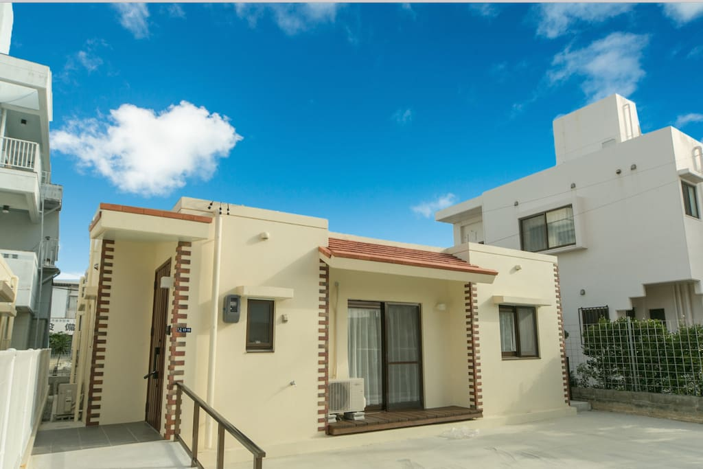 Rental Villa Okinawa (white) Barrier-free housing / group travel (2-9 people)