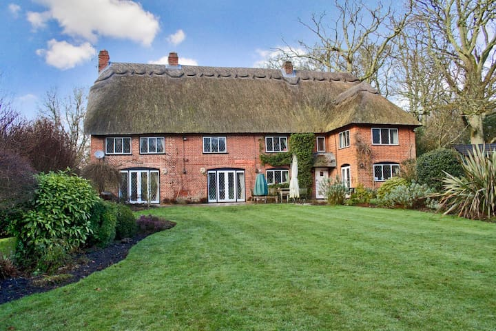 Rural Gem for Families & Groups in New Forest 5* - Ringwood - House