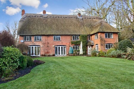 Rural Gem for Families & Groups in New Forest 5* - Ringwood - 独立屋