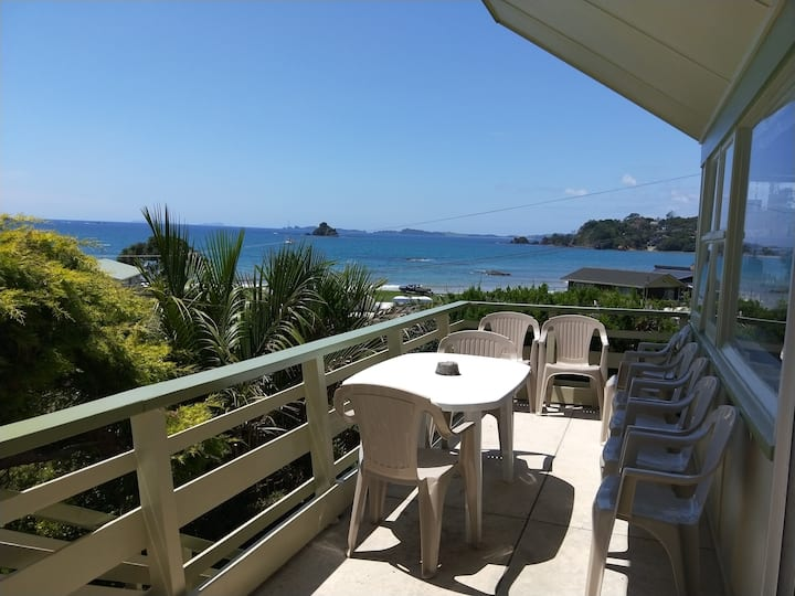 OAKURA  HOLIDAY HOME- Top location & Amazing views