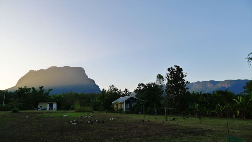 Little Farmhouse with DoiLuang View - Tambon Chiang Dao - Casa