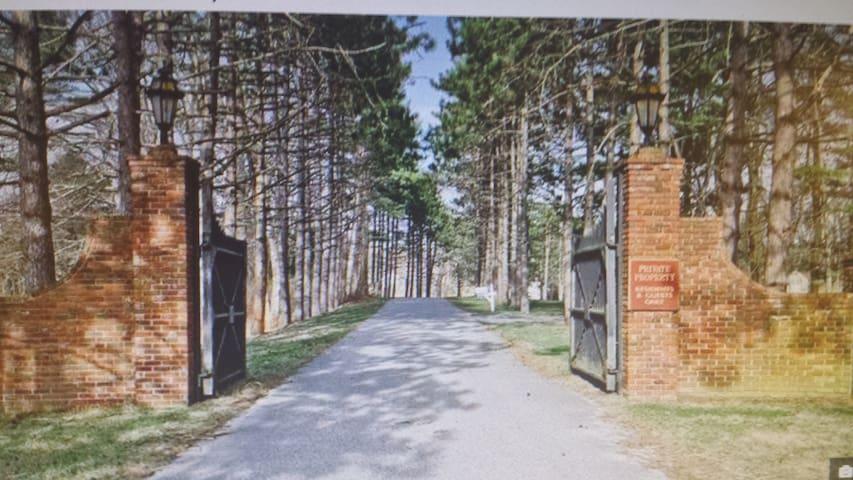Highland Pines Estate Retreat