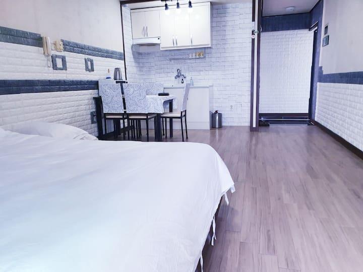 푸른제주펜션12평퀸룸 (성산일출봉과 우도전망)