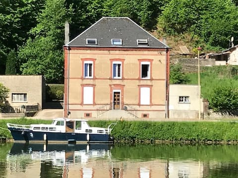 Appartement rénové de 90 m² avec vue Meuse