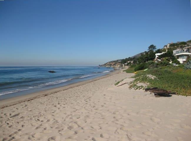 Malibu Beach House on the Sand!
