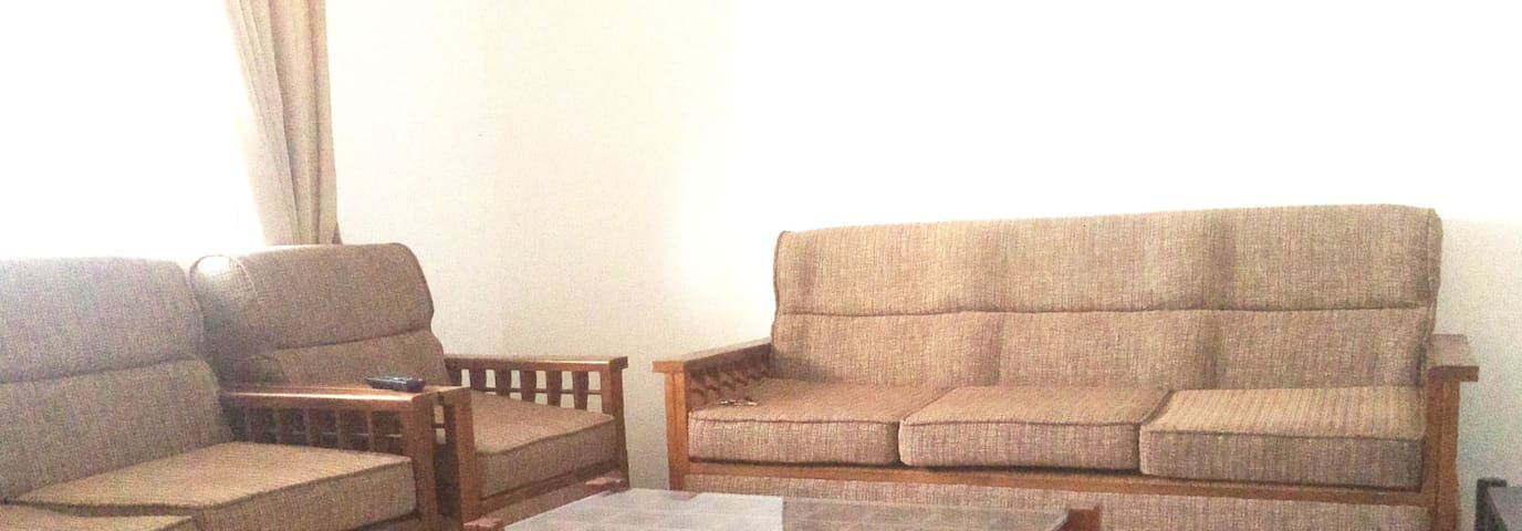 Furnished One roomed Apartment - Wellawatha - Colombo - Apartment