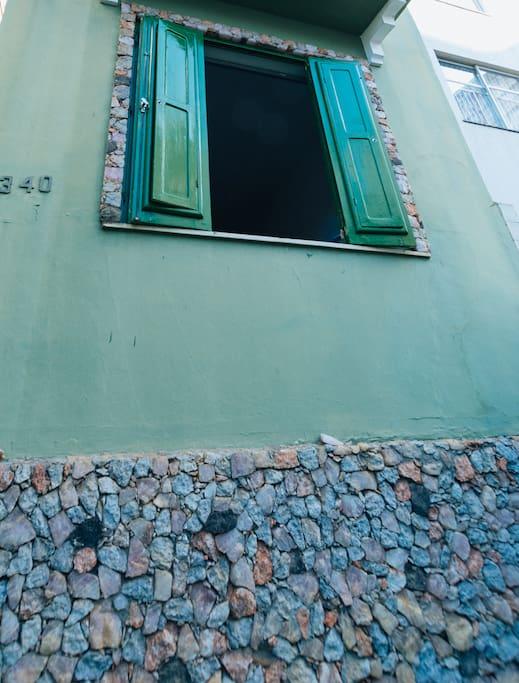 Detalhe da fachada do Hostel Green House.