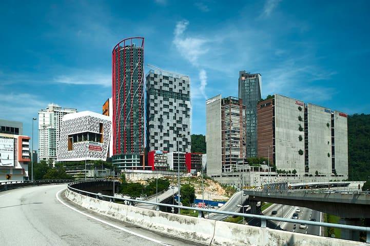 FULLHOUSE Ace @ Empire Damansara - Petaling Jaya - Apartament