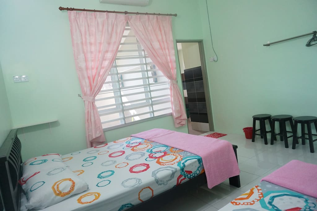 Room 1:Pisces Simple and comfortable triple room. 双鱼 :简单舒适的三人房。