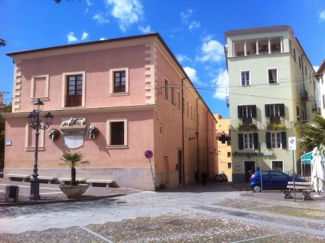 Cantareddu: Relax in the heart of the old town - Ozieri - Apartamento