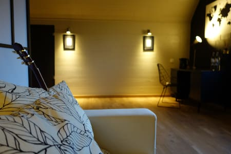 Cosy & Stylish B&B Attic Room - Boechout - Bed & Breakfast