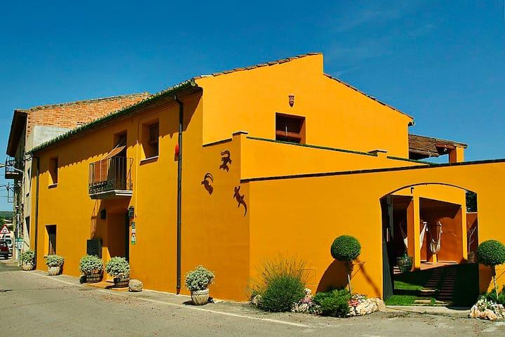 Ca L'Andreu TURISME RURAL - Garriguella - Casa