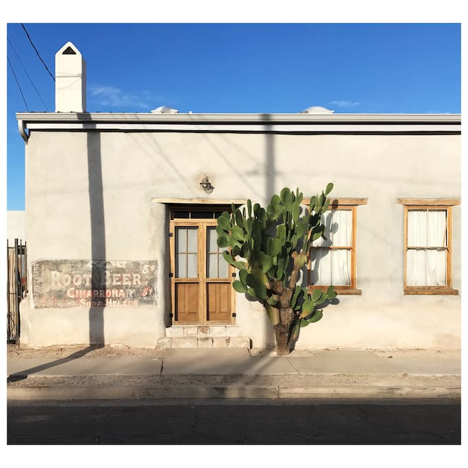 The Root Beer Adobe Spacious 2 Bedroom House Houses For Rent In Tucson Arizona United States