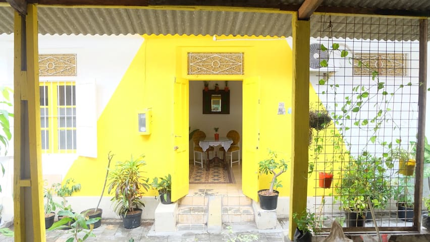 MALIOBORO Cute&Cozy Private Room - Yogyakarta - Bed & Breakfast