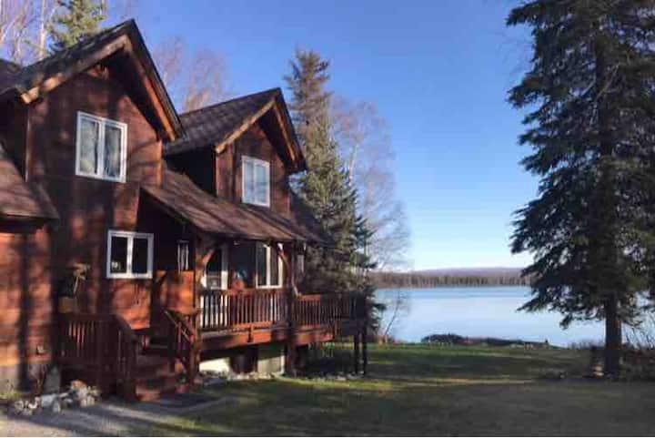 Shirley Lake Cabin, In the heart of Alaska.