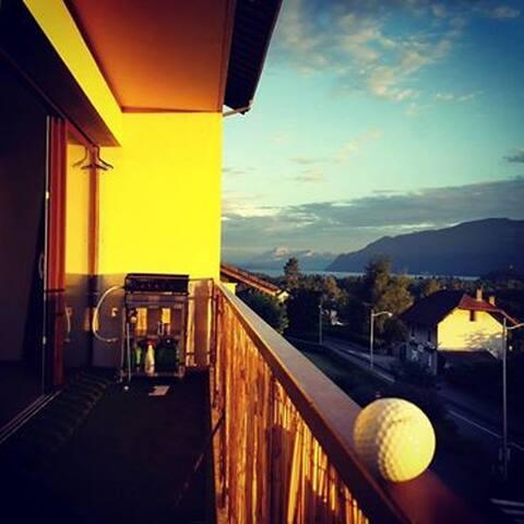 Appartement design vue lac à Chindrieux