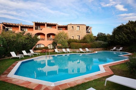 Cala di Volpe_Cute Apartment_sea view terrace&pool - Cala di Volpe - 아파트