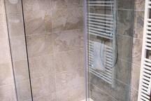 Habitación 03, baño