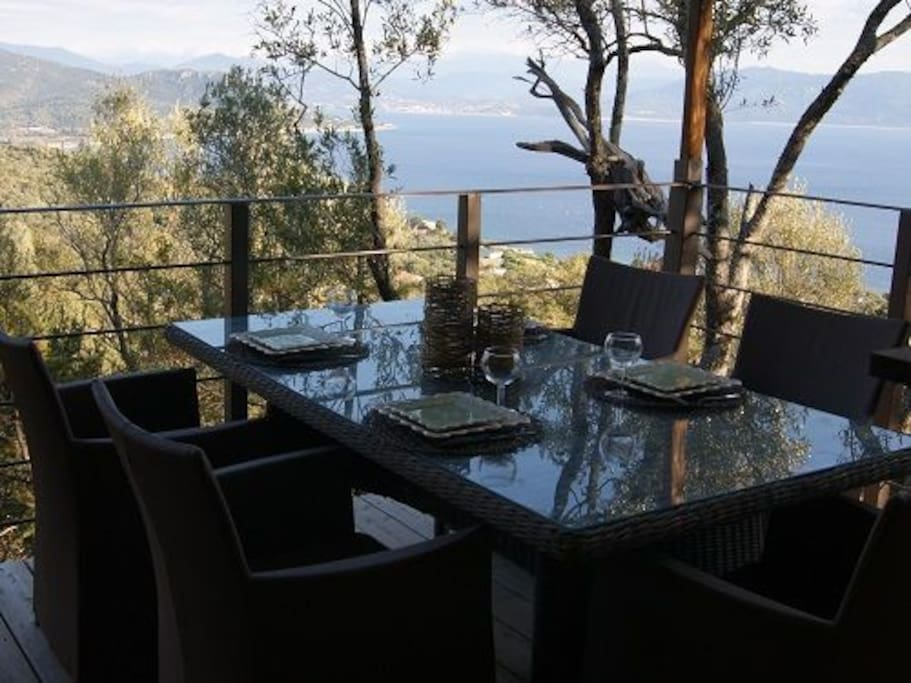 La terrasse et son coin repas