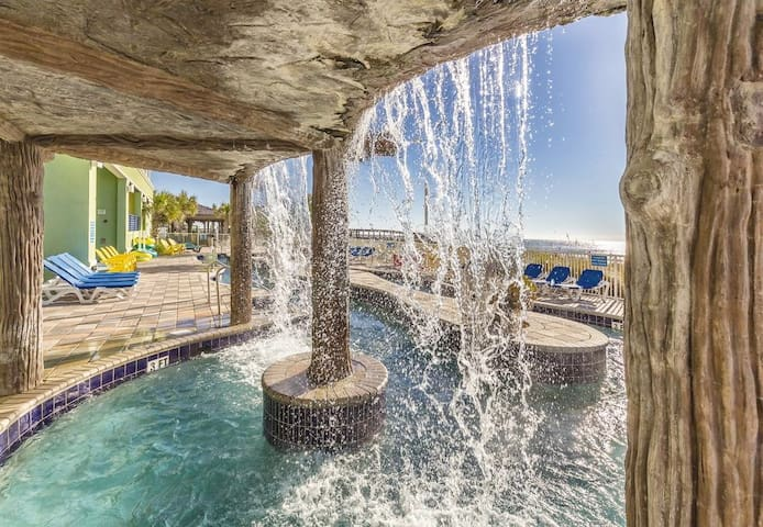 Blvd View ★2BR★ Full Kitchen ★ Beach Front Resort
