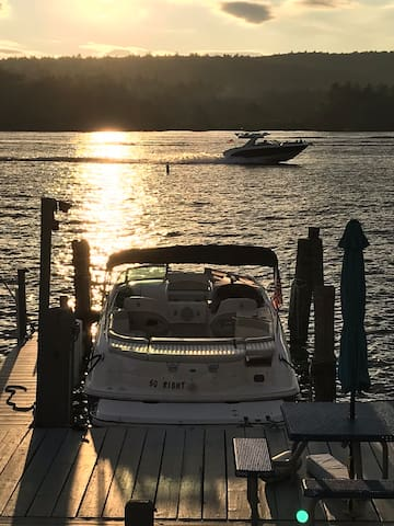 Winnipesaukee~2Bdrms w/lake view & dock in Laconia