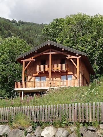 Chalet à beaune en maurienne CP 73140 - Saint-Michel-de-Maurienne - Chalé